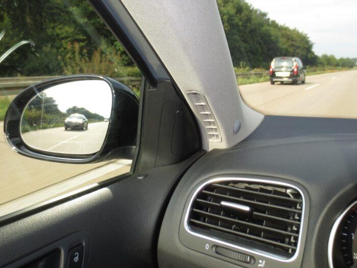 Toter-Winkel-Assistent mit 4 x UNTERBAU-Sensoren incl. GPS-Speed-Modul-1020